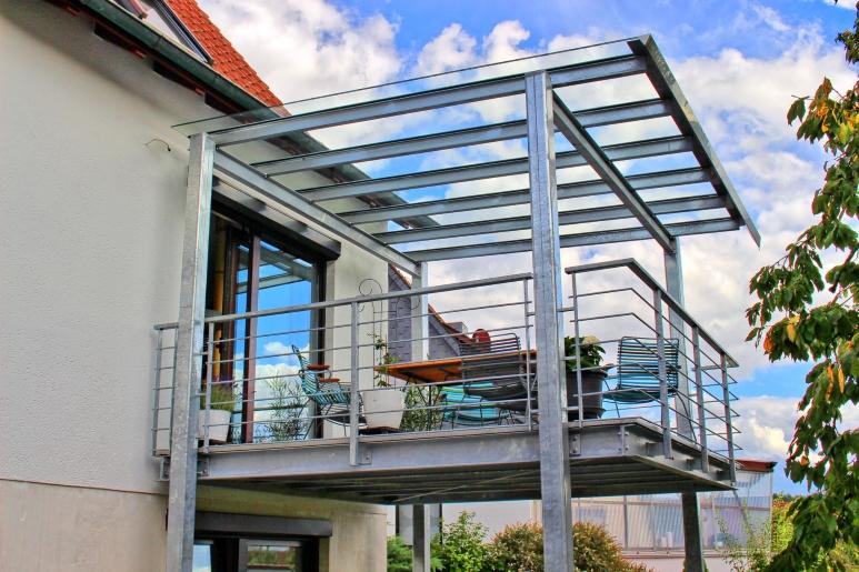 Balkon Mit Glas Uberdachung
